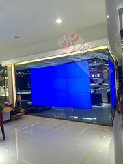 產品展示系統:拼接墻應用于上海周大福珠寶銷售中心